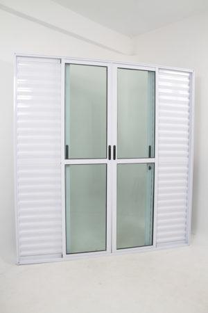 Porta Balcão de Alumínio Branco de 6 folhas