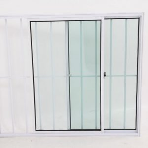 Janela de Vidro em Alumínio Branco de 2 folhas e com Grade