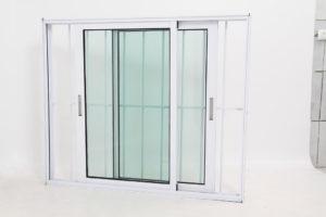Janela de Vidro em Alumínio Branco de 2 folhas Móveis com Grade - Premium