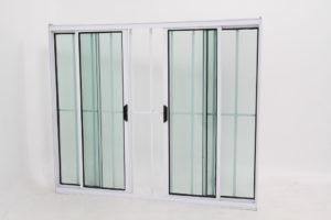 Janela de Vidro 4 folhas de Alumínio Branco com Grade - Modular