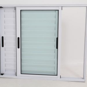 Janela Veneziana de Alumínio Branca de 3 folhas Móveis - Premium