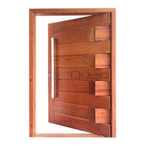 Porta Pivotante Passione - Madeira Maciça (angelim) - Bassani